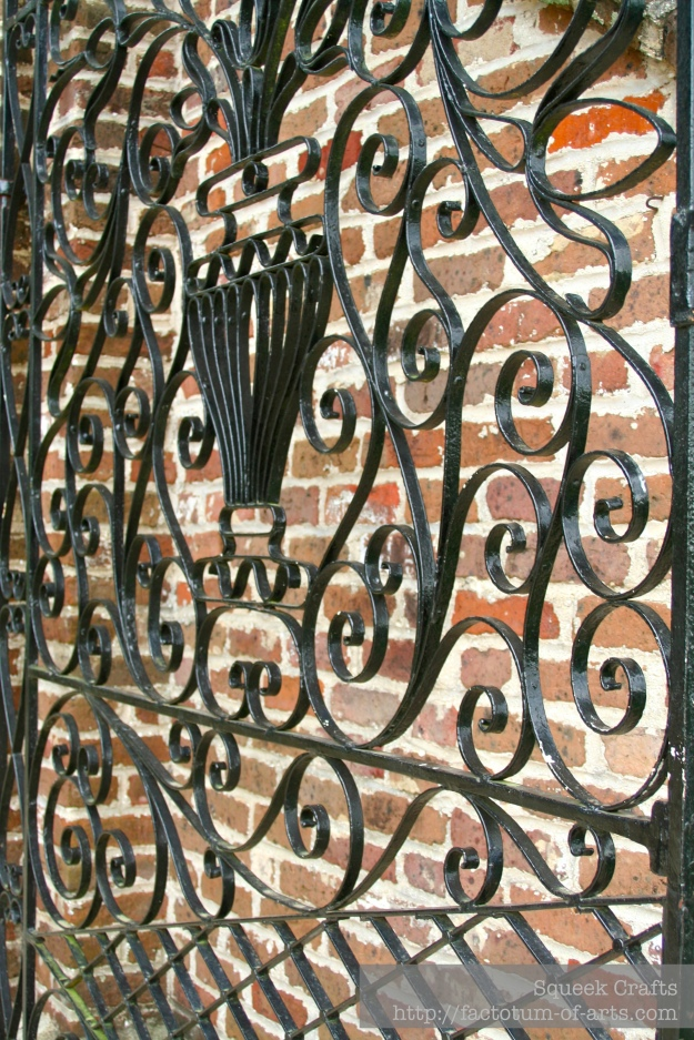 BooneHallPlantation_Gates