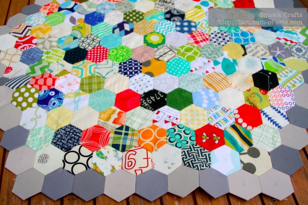 Hexagaon_LapQuilt_partial