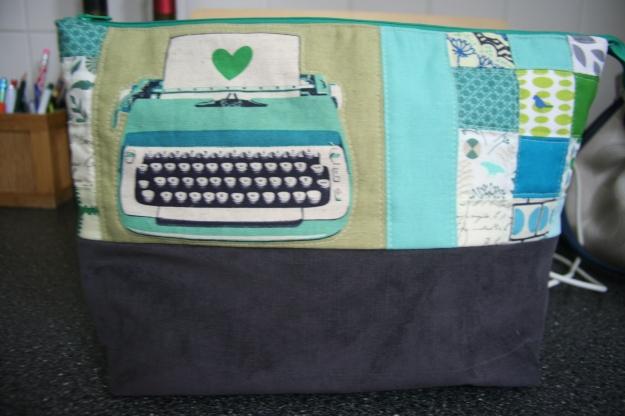 Pouch_Swap_typewriter